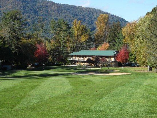 The Waynesville Inn, Golf Resort & Spa : View from golf course