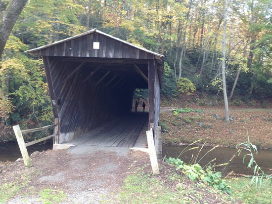 Bob White Covered Bridge: Bridge
