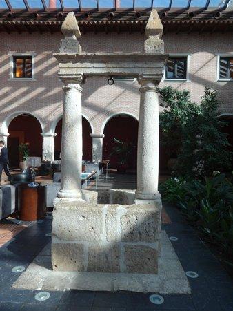 AC Hotel Palacio de Santa Ana: HOTEL