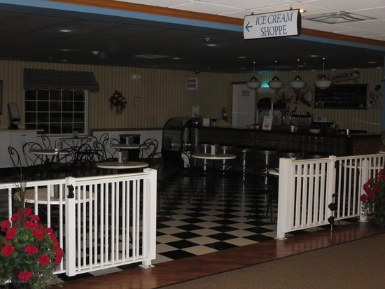 Ice Cream parlor Picture of Blue Gate Garden Inn Shipshewana