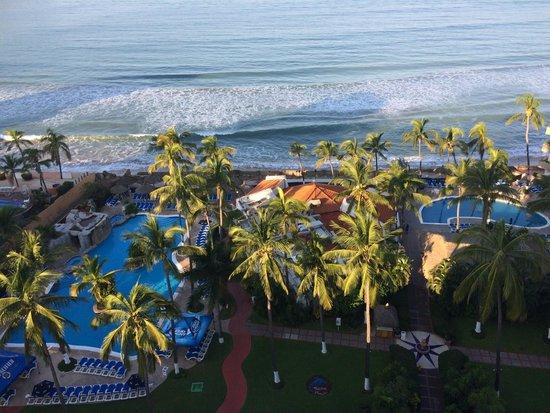 The Inn at Mazatlan: pools and restaurant