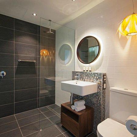 Watermark Hotel Spa Gold Coast Deluxe Executive Bathroom