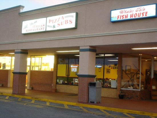 Mount Dora Pizza and Subs: Hidden in a Strip Center just outside Mount Dora Historical District