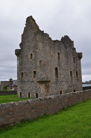 Scalloway Castle: From the outside