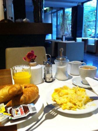 Pakat City Hotel: Desayuno