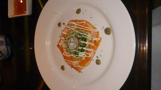 Takumi Japanese Restaurant: Salmon sashimi