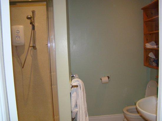 Avenue Guest House: Bathroom