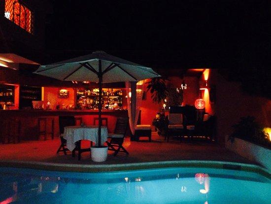 Bliss Restaurant Lounge Bar Pool: Esplendido ambiente!!!