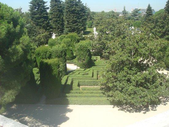 Foto de jardines de sabatini madrid placa sinalizadora for Jardines sabatini