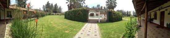 Hotel & Spa Laguna Seca: entrada de la piscina