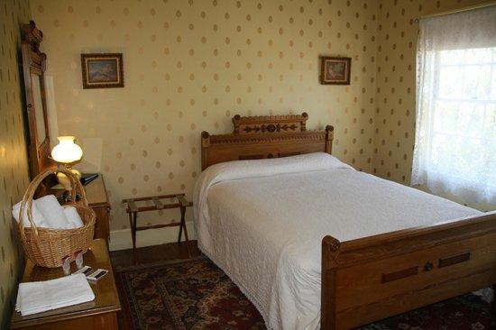 City Hotel Room 10