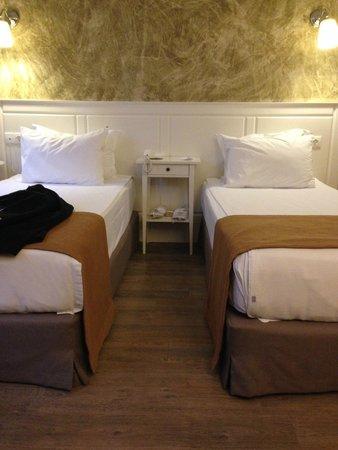 Mr. Bird Hotel: Modern, clean rooms