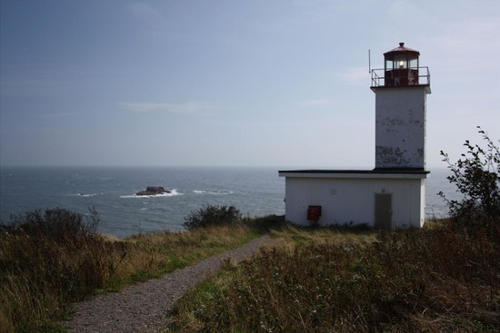 St. Martins, Canada : High Tide on the Quaco Ledge Lighthouse