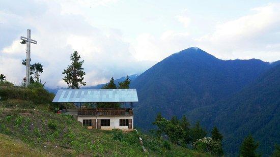 Palu, Ινδονησία: Pemandangan gunung hijau