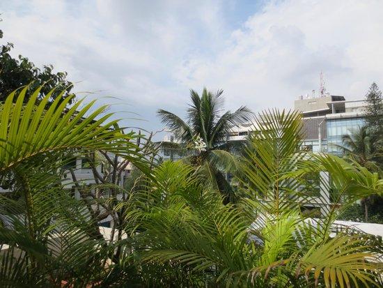 juSTa Off MG Road, Bangalore: Blick von der Dachterrasse-Restaurant
