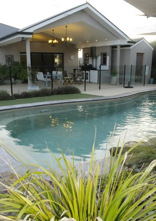 Seventy3 Boutique Accomodation: Guest Entrance, pool and alfresco area