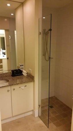 Grand Mercure The Hills Lodge: Bathroom