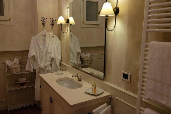 Relais Villa Vittoria: Bath