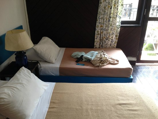 Lumut Country Resort: Twin Single Bed