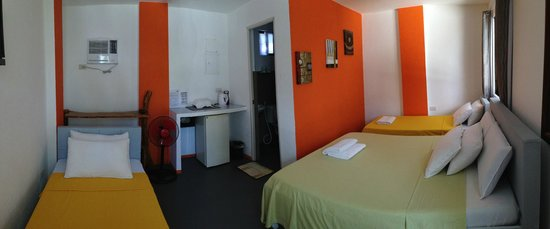 8colors beach house orange room