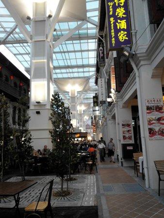 5footway.inn Project Chinatown: Phố ẩm thực cách 100m, mở cửa từ 6pm