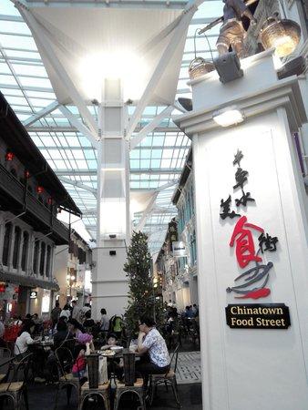 5footway.inn Project Chinatown 1: Phố ẩm thực cách 100m, mở cửa từ 6pm