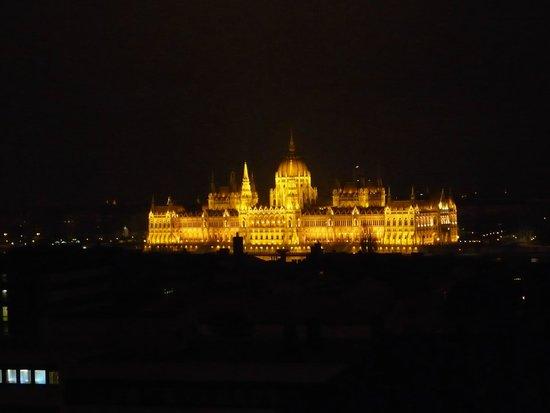 Budavar Bed & Breakfast: Paarlementsgebouwen