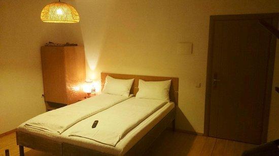 Draugu namai / Friends house: Draugu Namai hotel Double room.