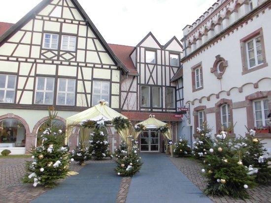 Chateau de L'ile : Entrance