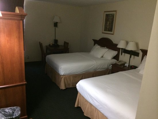 Inns Of Virginia Arlington: Room 113 on first floor. Clean.  Great