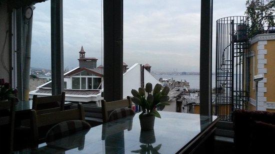Tulip Guesthouse: colazione con Mar di Marmara sullo sfondo