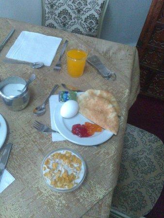 Rivoli Hotel: На завтраке