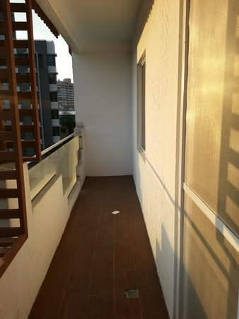 Papersun Apartment: The long balcony