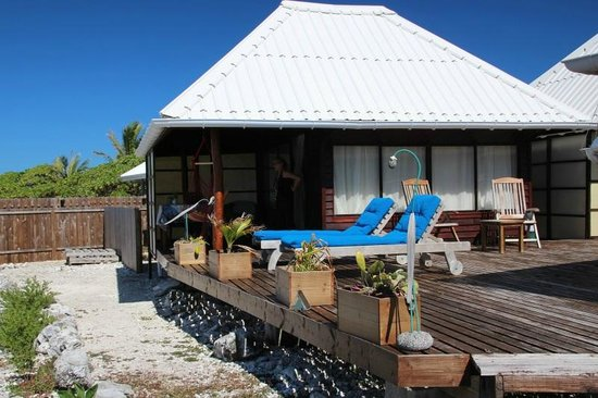Vahaui Paradis : Terrasse mit Bungalow