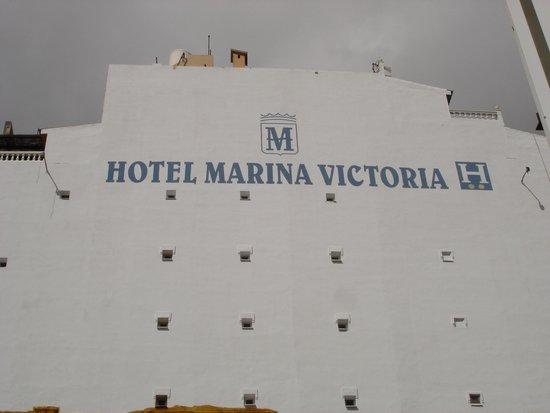 Facade rénovée de l'hotel