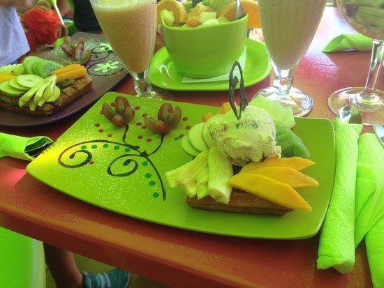 Gelatomania : Min våffla med cookie-glass och frukt!