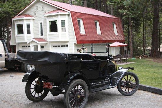 Tin Lizzie Inn: Carriage House