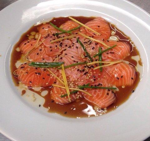 Cafe de l'Esplanade: Carpaccio de saumon New style Yabé
