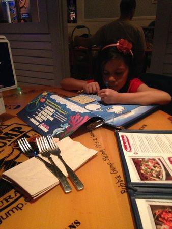Bubba Gump Shrimp Co. Restaurant and Market: kit infantil