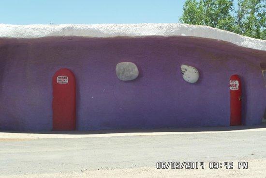 Flintstone's Bedrock City: Restroom building
