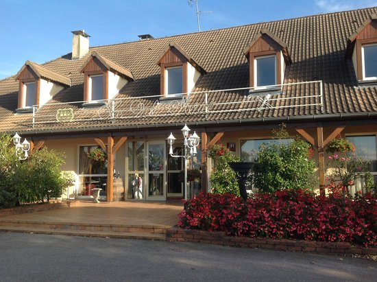 Le Val Moret: The main Hotel building
