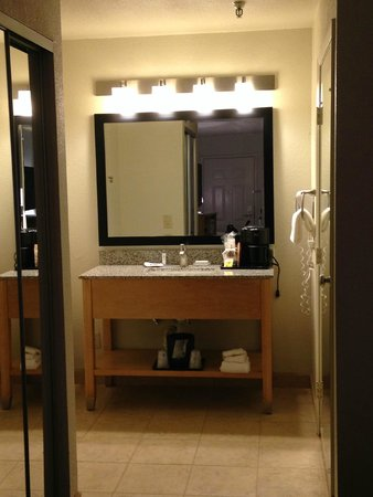 Best Western Plus Executive Inn & Suites: Bathroom