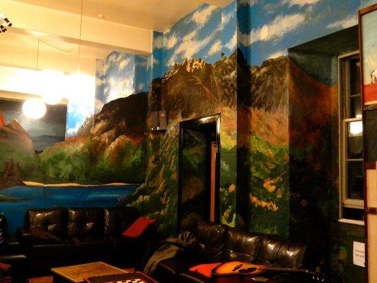 High Street Hostel: Dinning Room / Lounge