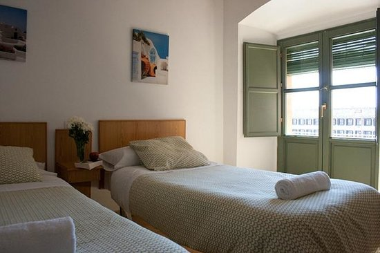Hostel La Corredera: Habitación doble con balcon