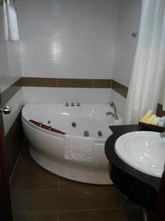 Signature Saigon Hotel: Ванна