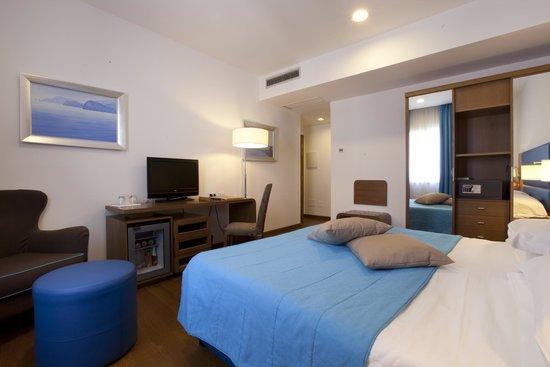 Hotel Plaza : Comfort room