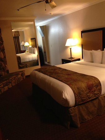 Pacific Shores Inn : Room