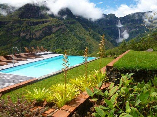 Gocta Andes Lodge: Vista de las cataratas desde el hotel