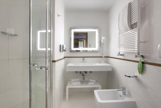 Hotel Plaza : Bathroom