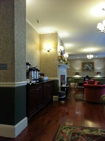John Jeffries House: Main Lobby - Coffee/Tea Bar